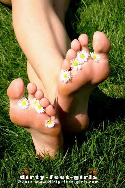 Dirty Feet Girls torrent